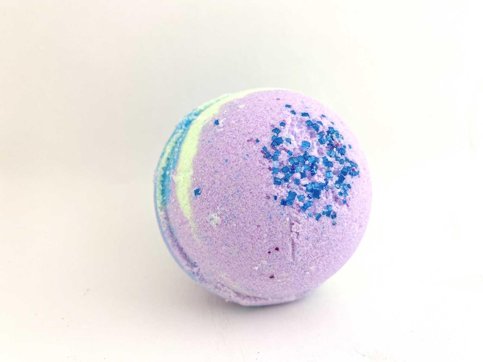 magical-toy-surprise-bath-bomb